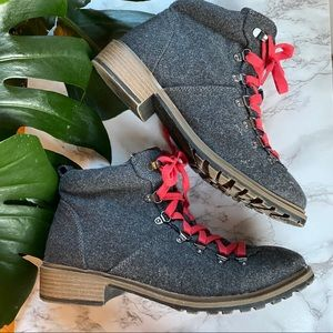 Fergalicious Mountain Hiker Boots Grey/Red Laces